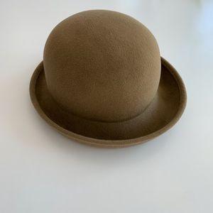 Eric Javits Beige/Camel/Tan felt bowler hat, NW